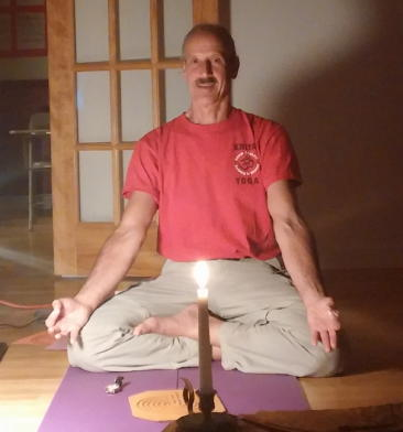 Picture of Swami doing Kriya Yoga Mantra Class